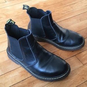 Dr. marten's black leather Chelsea boots